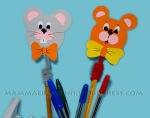 Decorazione per matite con orso e topo